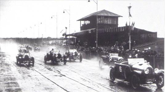 CHENARD & WALCKER - Histoire Le_Mans_depart_1923