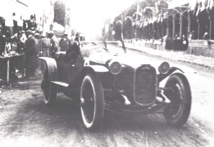 CHENARD & WALCKER - Histoire Huit_cylindre_1925